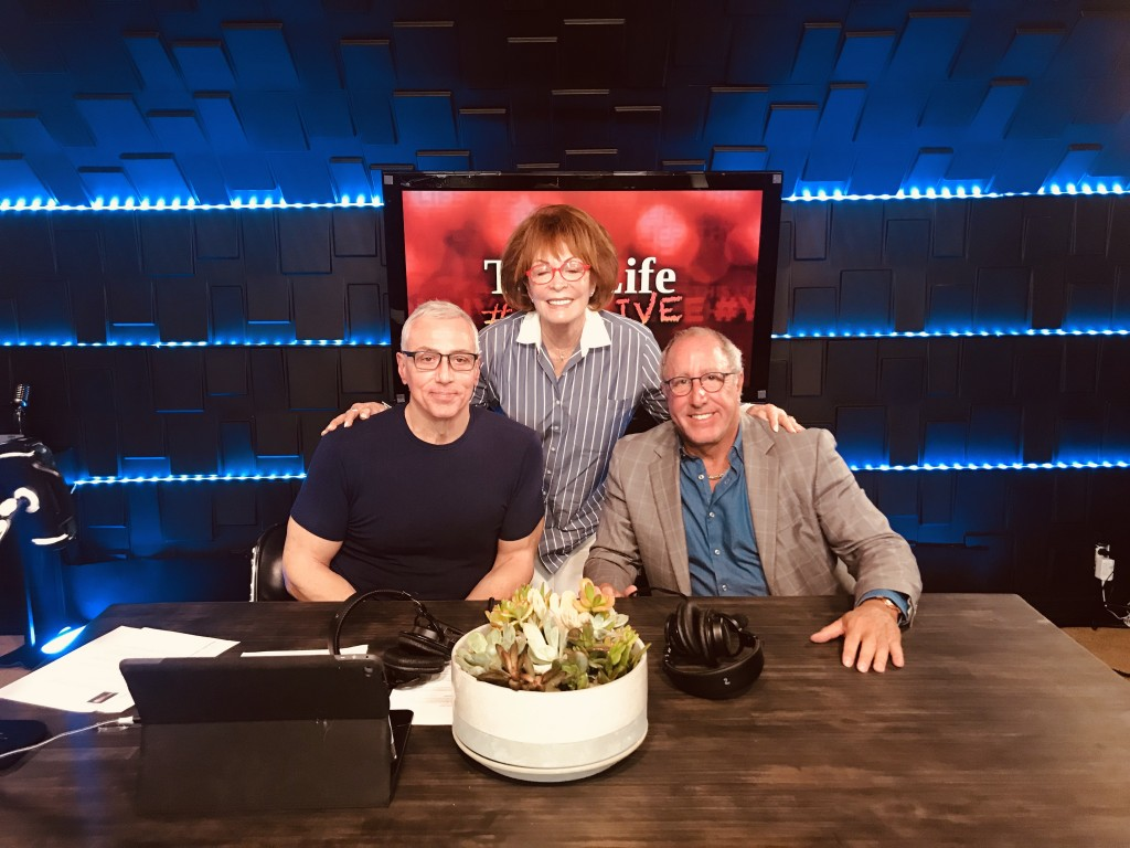 (l-r) Dr. Drew Pinsky, Arlene Howard and Dr. Gary Donovitz